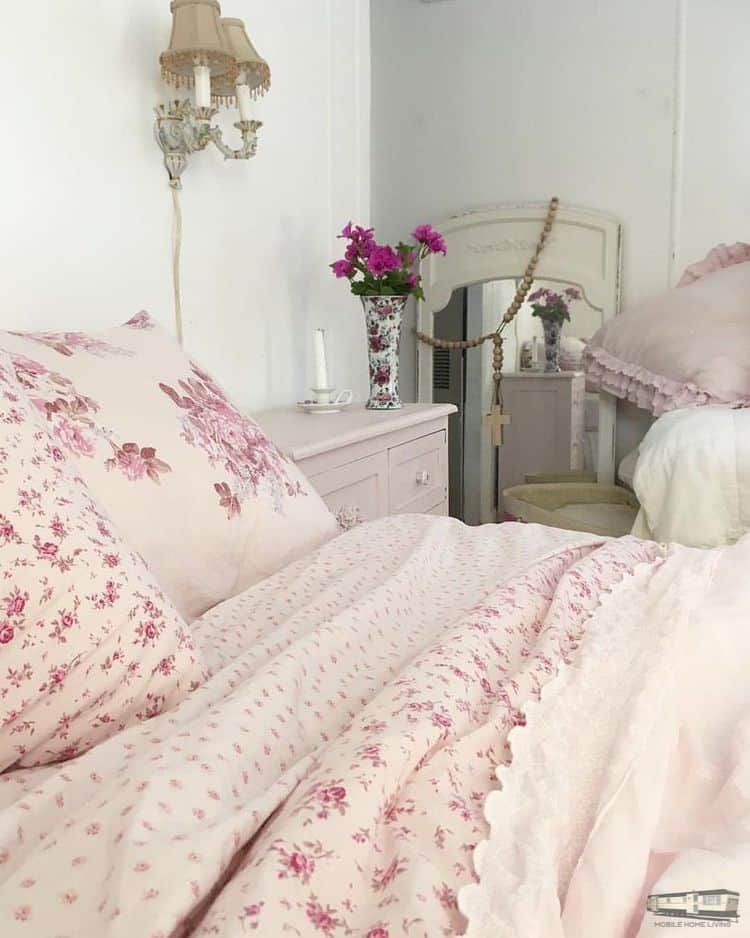 Romantic shabby chic mobile home0092