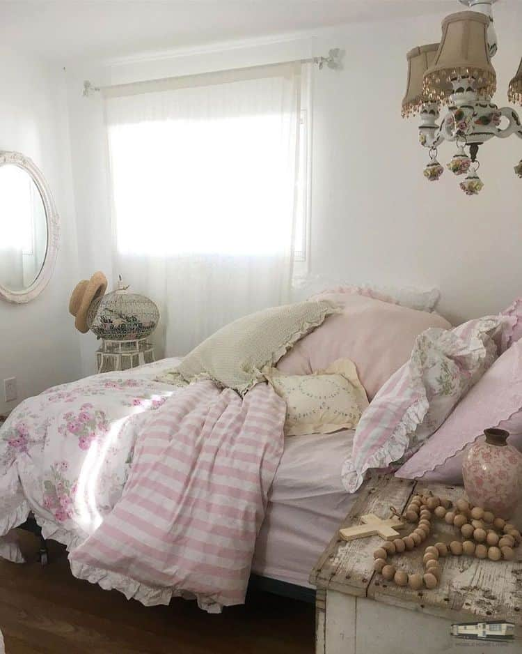 Romantic Shabby Chic Mobile Home0113
