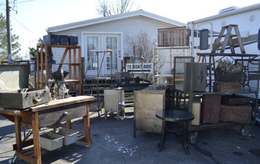 Salvage Shabby Chic Mobile Home0013