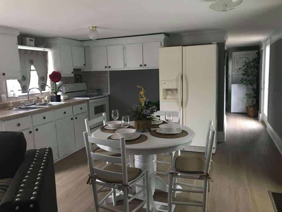 sc-single-wide-kitchen with gray walls