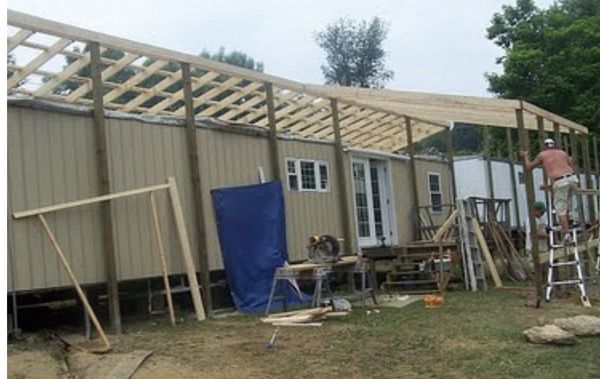 Lean-to Design Used on Self-Supporting Roof Over
