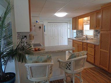 Senior parks mobile home kitchen