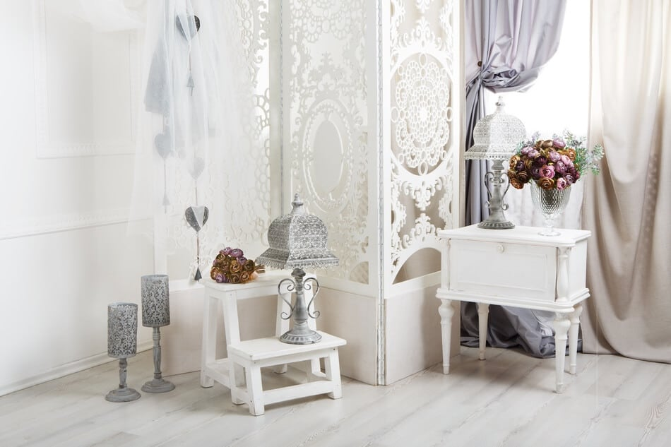 shabby-chic-decor -white-room-interior-