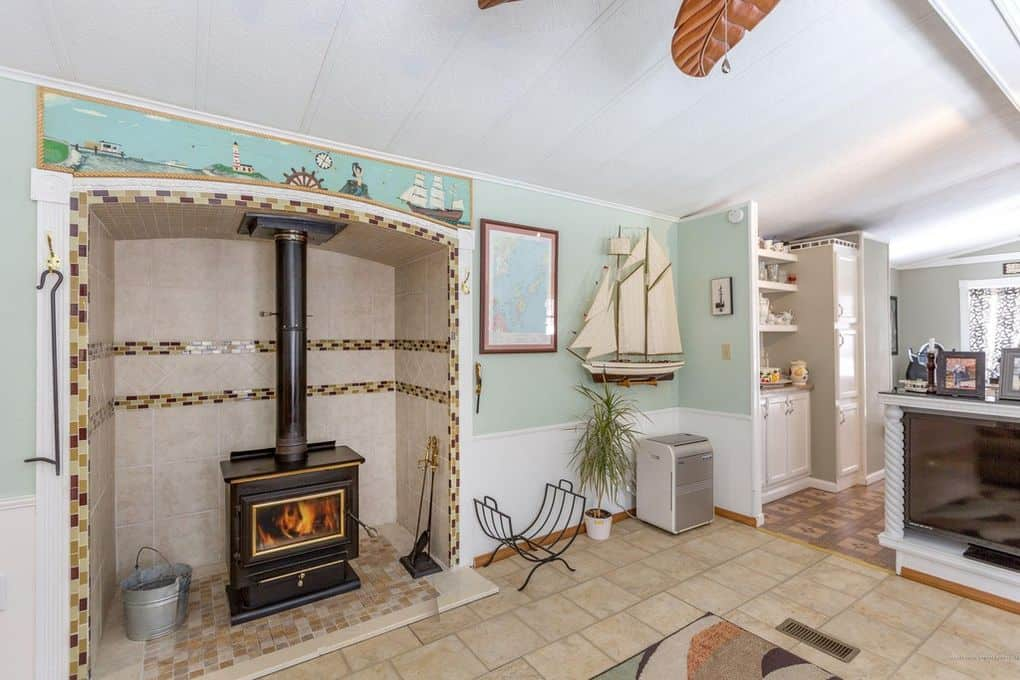 Single Wide With Fireplace Insert