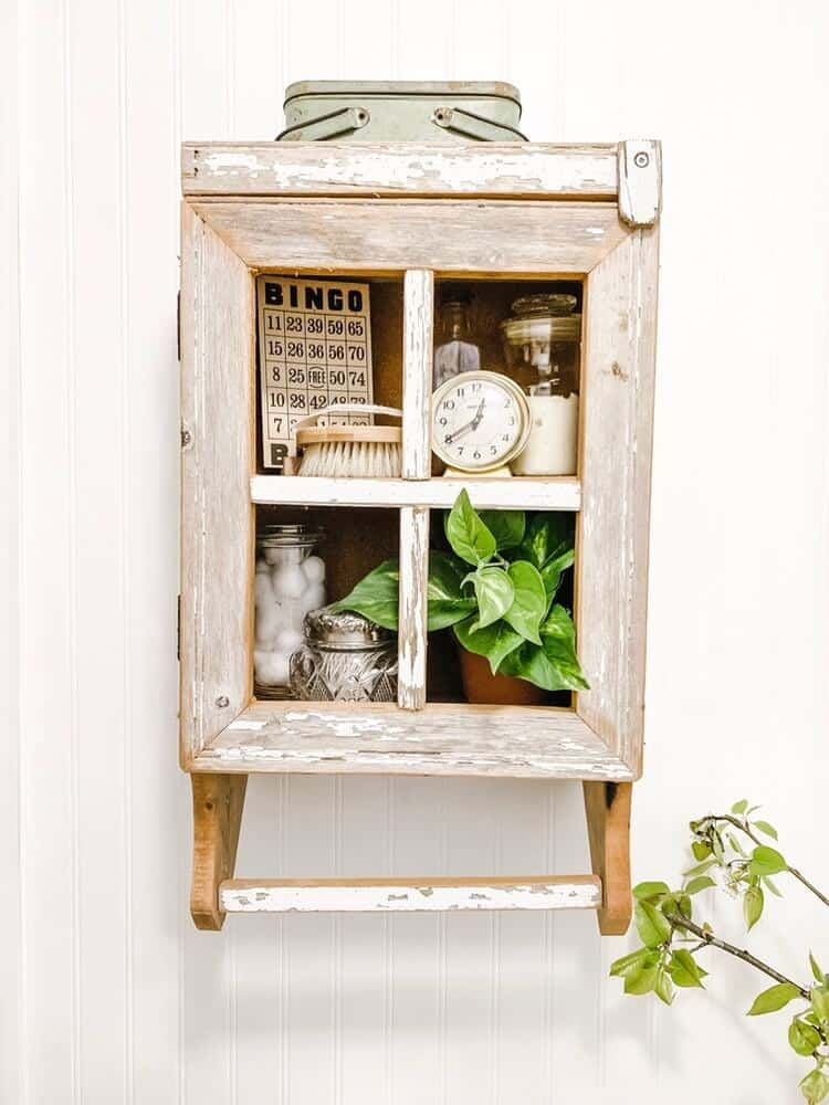 Straight cabinet 1