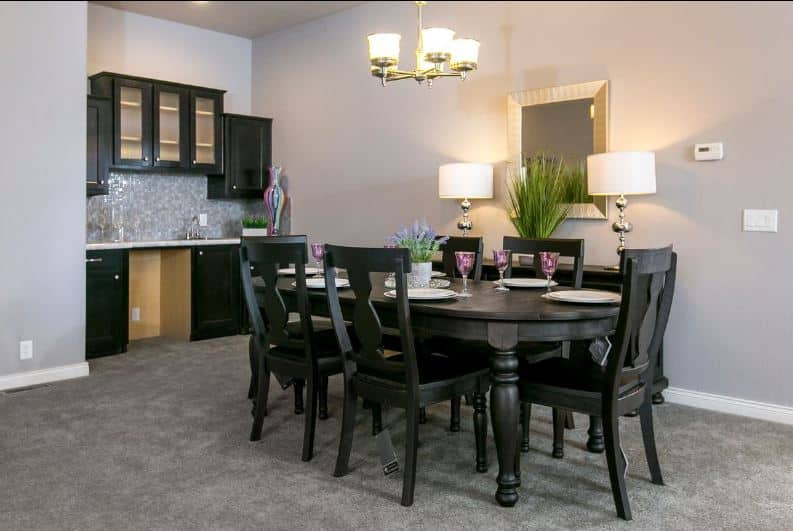 Triple wide dining area