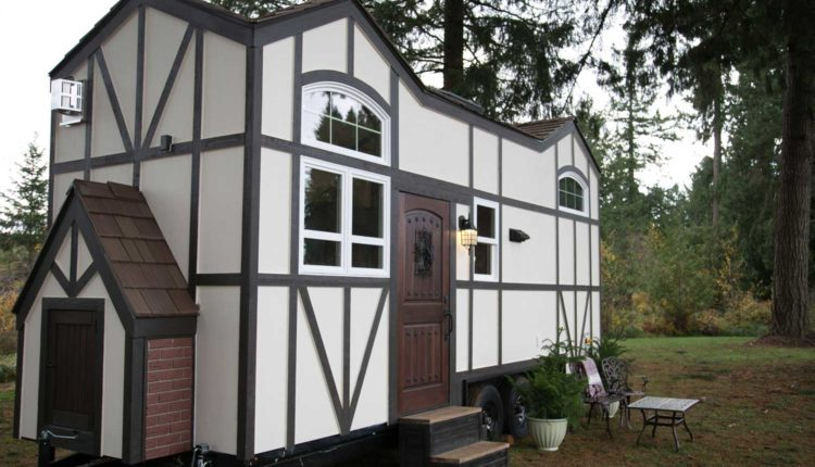 unusual-tiny-homes-whimsical-exterior