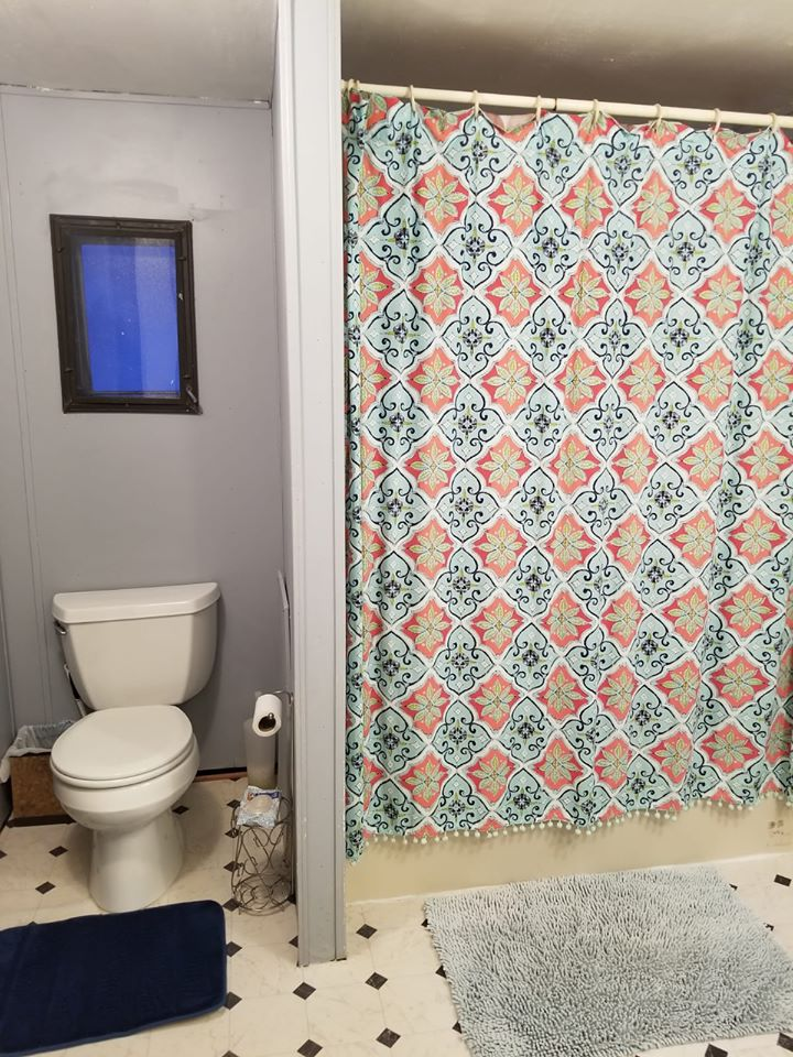 Updated Single Wide Bathroom