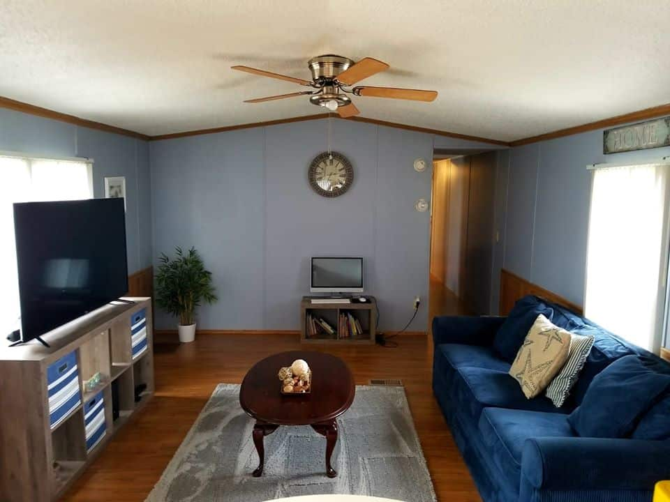 Updated Single Wide Living Room