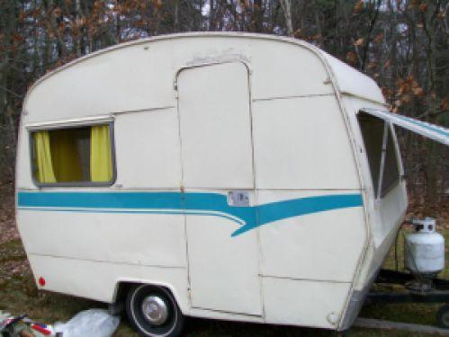Vintage camper remodels the sprite exterior