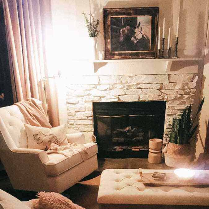 Vintage-farmhouse-fireplace