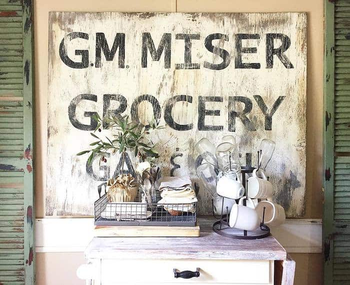 Vintage-farmhouse-sign