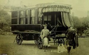 Worlds Oldest Mobile Home Owned By Dr Stables