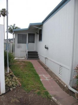 1988 Skyline Double Wide - Complete remodel - Manufactured Home Interior Design - Exterior Before - front 2