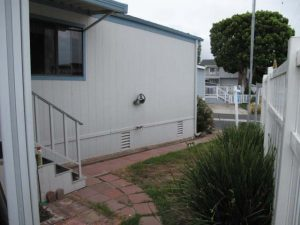 1988 Skyline Double Wide - Complete remodel - Manufactured Home Interior Design - Exterior Before - front