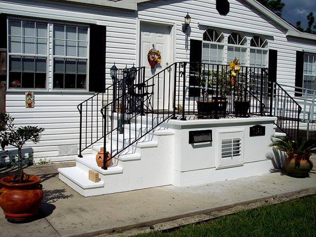 44 front door steps, small porch on manufactured home