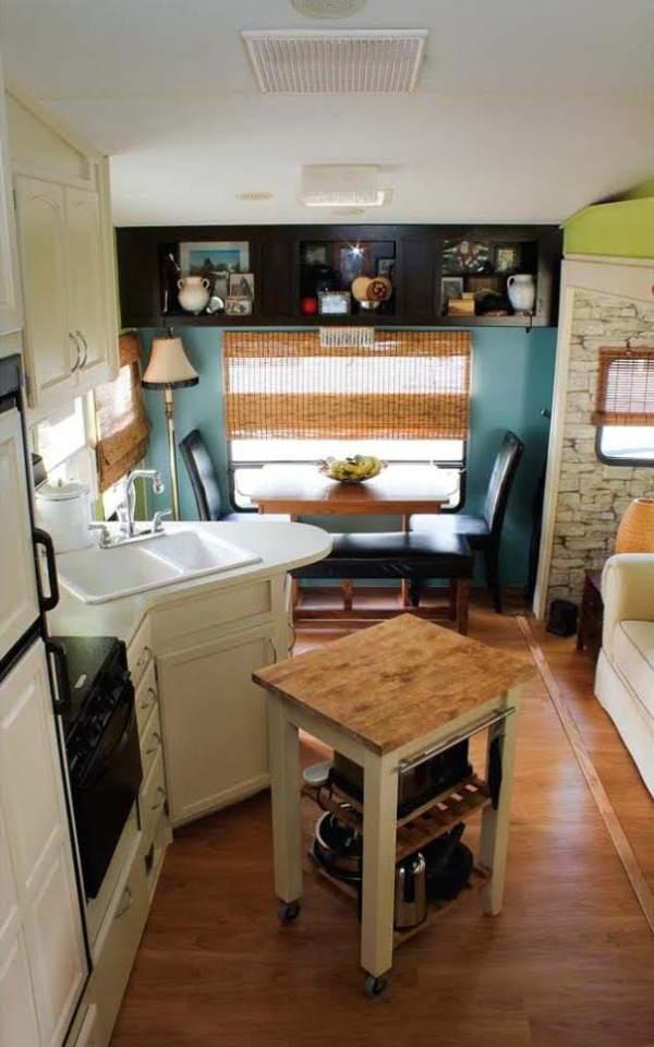 Camper Decorating Ideas: Laura's 5th Wheel Makeover - 5th Wheel Camper Makeover - Kitchen and Dining Area