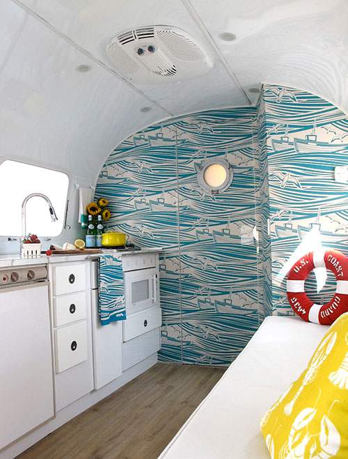 6 beach makeover in Airstream d
