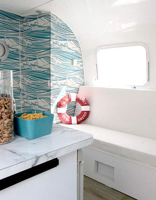 6 beach makeover in Airstream e