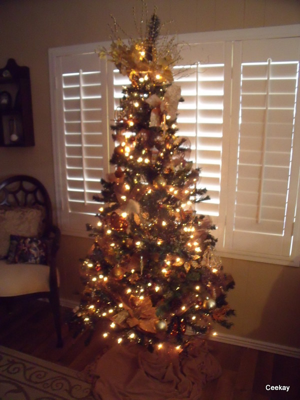 Manufactured Home Holiday Decor Ideas - Christmas Tree