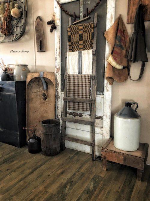 primitive decor in a mobile home -kitchen decor