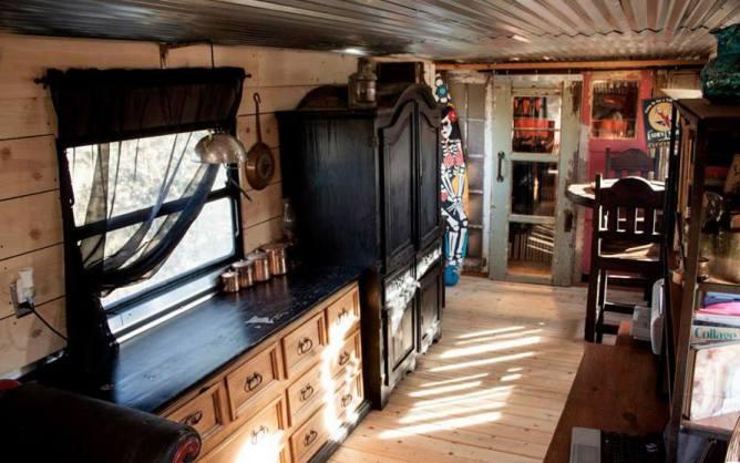 Affordable Spartan Mobile Home Remodel - Renovation