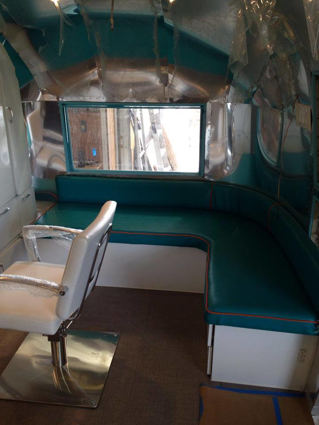 Airstream Remodeled into a Salon (15)
