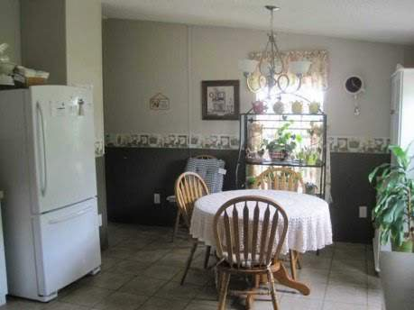 Amazing 2007 Fleetwood manufactured home makeover (dining area before)