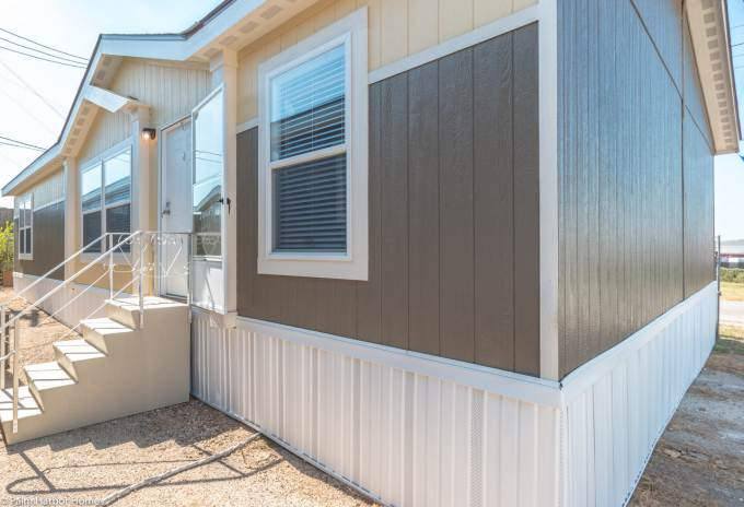 Arlington manufactured home exterior