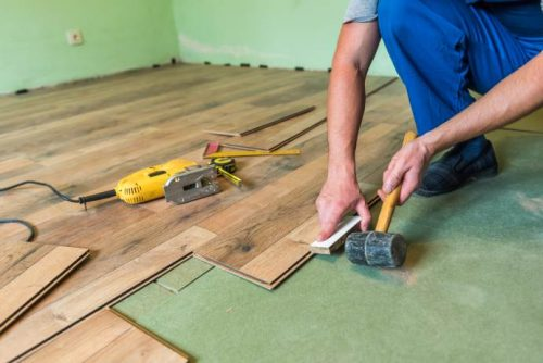Ask an Expert Questions about Replacing Floors in Mobile Homes - installing laminate flooring - installing laminate flooring in a mobile home 2