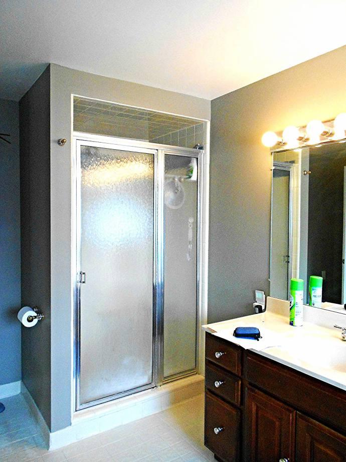 Bathroom 2 - Before Remodel