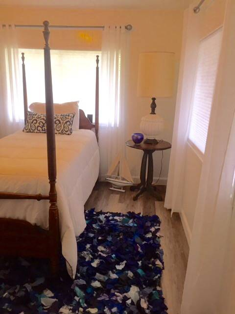 Beautiful $15,000 Single Wide Manufactured Home - beautiful bedroom after makeover
