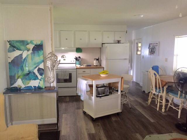 Beautiful $15,000 Single Wide Manufactured Home - gorgous kitchen after makeover