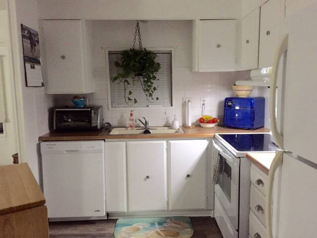 Beautiful $15,000 Single Wide Manufactured Home - kitchen after affordable makeover