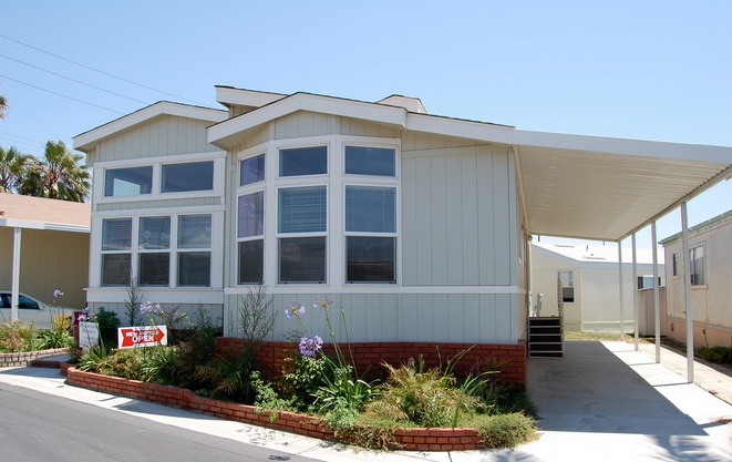 30 Great Mobile Home Exterior Ideas (16)