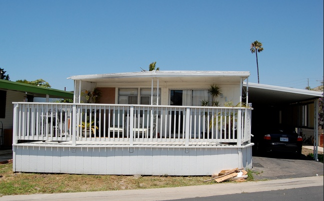 30 Great Mobile Home Exterior Ideas(18)