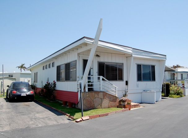 30 Great Mobile Home Exterior Ideas (19)