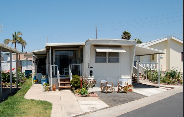 30 Great Mobile Home Exterior Ideas (2)