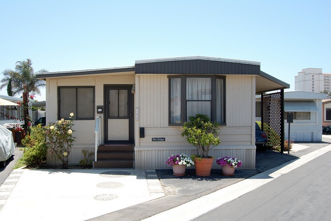 30 Great Mobile Home Exterior Ideas (28)