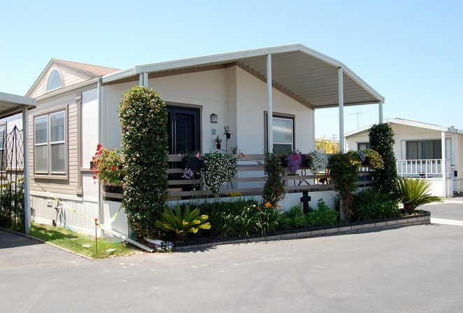30 Great Mobile Home Exterior Ideas (9)