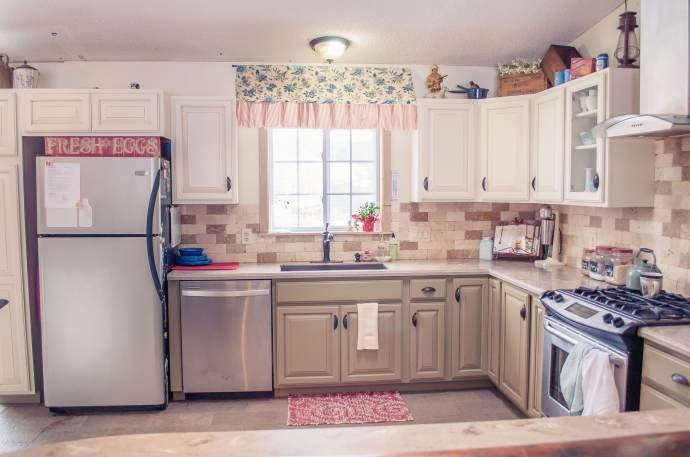 6 Great Mobile Home Kitchen Makeovers | Mobile Home Living on 1955 kitchen appliances, 1955 kitchen trim, refinishing oak cabinets, 1955 kitchen tiles, 1955 kitchen antiques, 1955 kitchen makeover, 1955 kitchen wallpaper, 1955 kitchen tables, 1955 kitchen stoves,