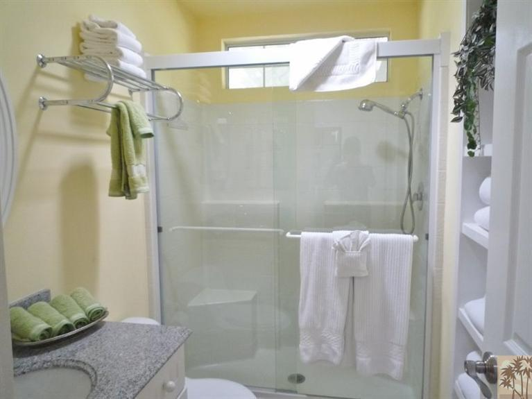 Beautiful double wide decor - bathroom 3
