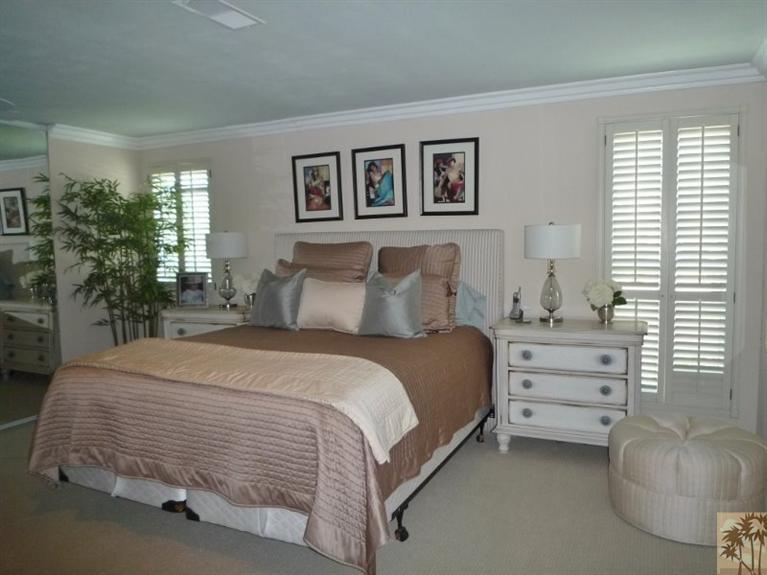 Beautiful double wide decor - bedroom