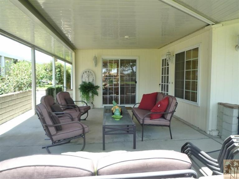 Beautiful double wide decor - covered porch 2