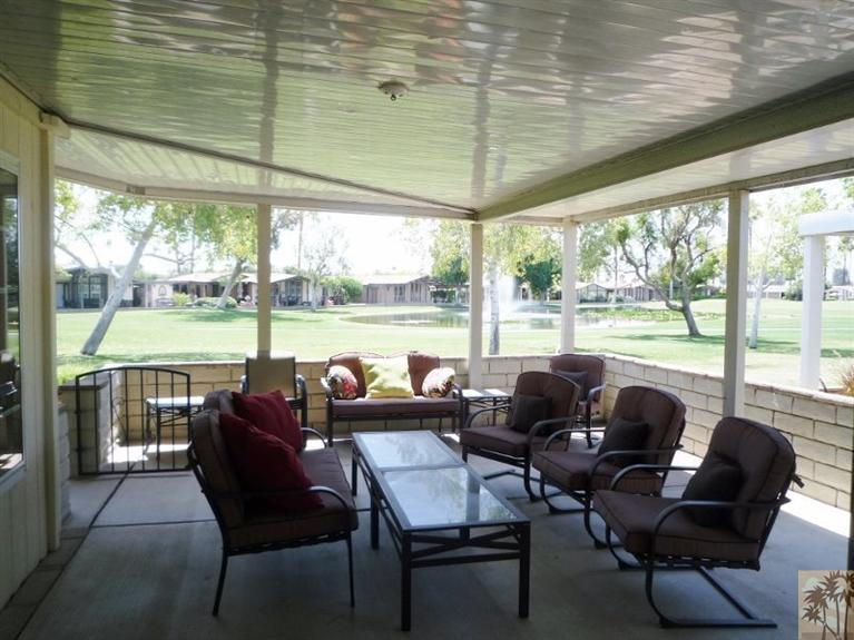 Beautiful double wide decor - covered porch