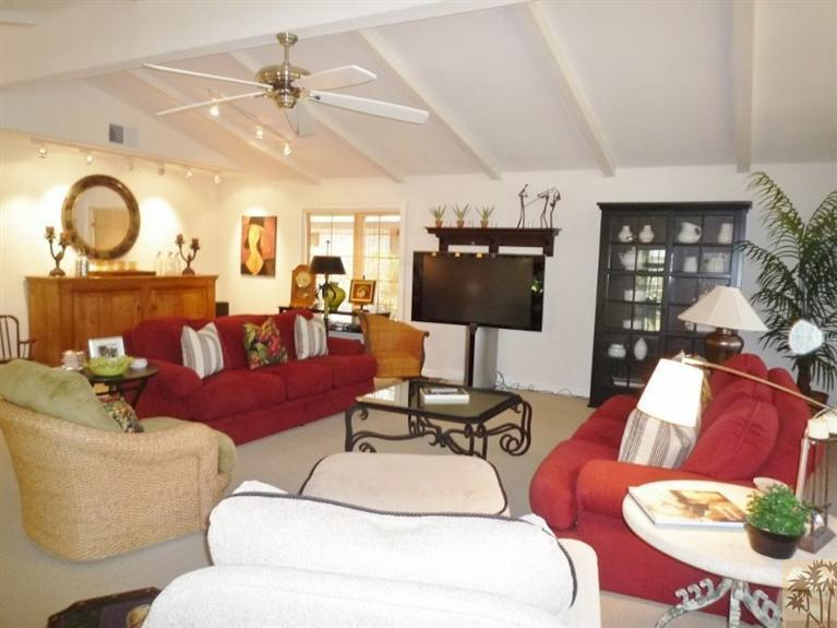 Beautiful double wide decor- living room 2