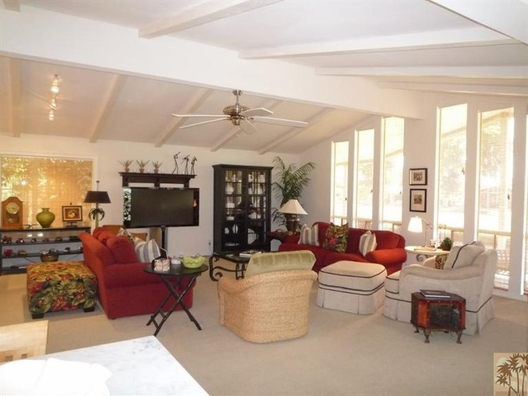 Beautiful double wide decor- living room
