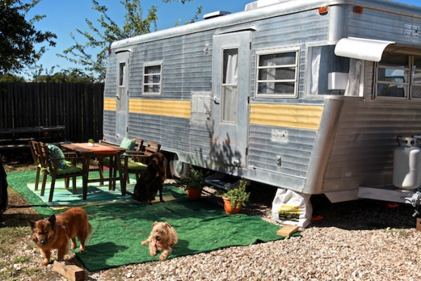 Camper renovation - Fur babies