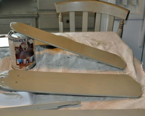 Ceiling fan face lift - updating a ceiling fan on a budget - painting the blades