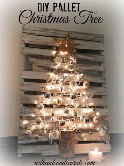 Christmas Tree Decor made from Pallet - Cheap DIY Christmas Decor